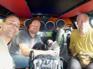 Martin, Thorsten an Marc on the way to the volcano. © Marc Szeglat